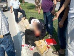 Otomobil öğrenciye çarptı