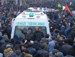 Yüksekova'da bugün de cenaze gerilimi