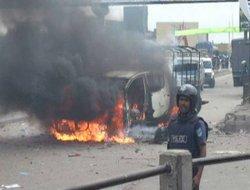 Bangladeş'te muhalefet yolları kapattı
