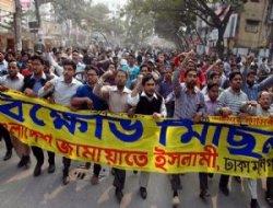 Bangladeş`teki Seçimlerde Kan Aktı