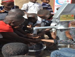 AGD Karatay Hanımlardan Afrika'ya su kuyusu