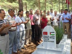Şehid Cengiz Akyüz mezarı başında anıldı