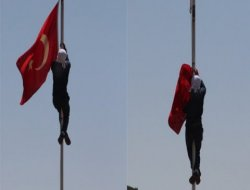 Diyarbakır'da bayrak indirmede 2 görevden alma