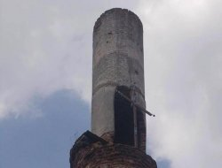 Bulgaristan'da camiye 'haçlı' saldırı