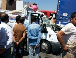 Çınar yolunda kaza yapan kamyonet sürücüsü hayatını kaybetti