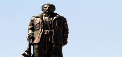 Lice'de PKK'li Korkmaz'ın heykelinin yıkımı için operasyon