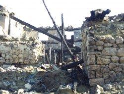 Kahramanmaraş'ta çıkan yangında bir ev tamamıyla yandı