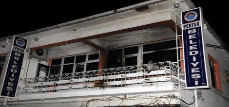 Tunceli Pertek'de belediye ve AK Parti'ye molotoflu saldırı