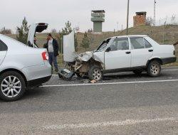 Hatalı solama kaza getirdi: 4 yaralı