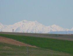 Çınar'da güneşli bir gün, fakat kar havası var