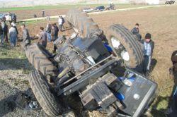 Tarım işçilerini taşıyan traktör devrildi; 2 ölü 15 yaralı