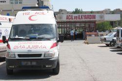 Yüksekova'daki bedeviler, hasta almaya giden ambulansı yakmaya çalıştı