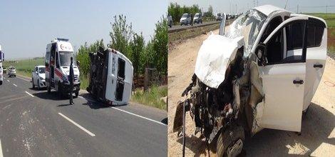 Çınar'da minibüs ile otomobil çarpıştı video-foto
