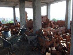 Belediye Çınarda ev yıktı