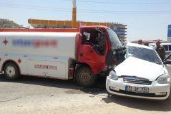 Diyarbakır'da mazot tankeri otomobili biçti-video-foto