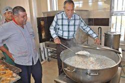 Gölbaşı Belediyesinden muhtaçlara iftar servisi