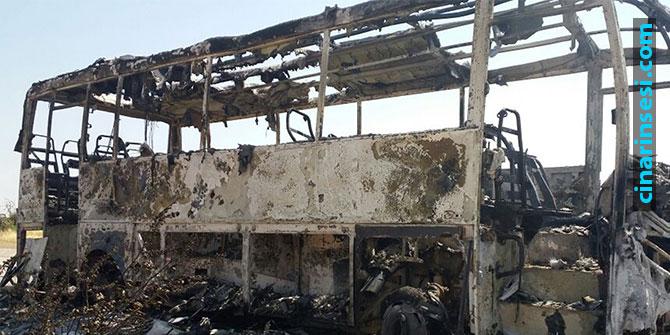 Bingöl-Diyarbakır yolunda 4 araç ateşe verildi