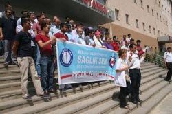 Ergani'deki sağlıkçılardan basın açıklaması