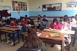 Çınar'da öğrenciler okula koştu