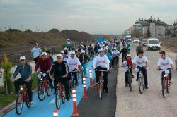 Obeziteye karşı bisikletli etkinlik düzenlendi