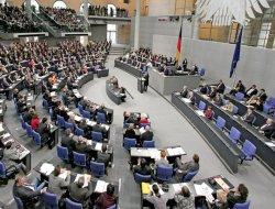 Almanya Parlamentosu IŞİD tezkeresini onayladı