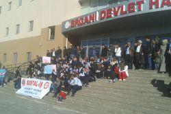 Ergani'de sağlık çalışanlarından iş bırakma eylemi