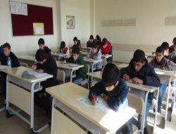 Kutlu Doğum Siyer Sınavı Çınar'da 12 noktada yapıldı