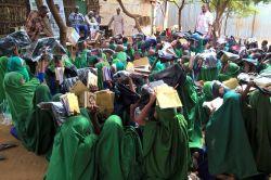 Kenya'da öğrencilere Kur'an-ı Kerim dağıtıldı foto
