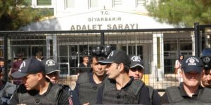 Diyarbakır Adliyesinde 14 kişi gözaltına alındı