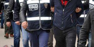 Van'da PKK'ye üyelikten 32 kişi tutuklandı
