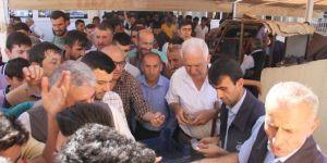 Silopi'de cuma camazı sonrası aşure dağıtıldı