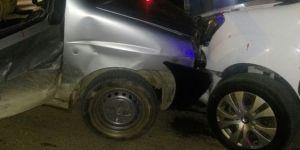 Van Edremit'te araçlar kafa kafaya çarpıştı: 4 yaralı