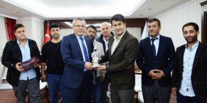 STK temsilcilerinden Batman Ahmet Deniz'e ziyaret