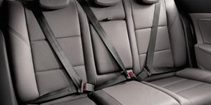 Arka koltukta emniyet kemeri takmayanlara ceza