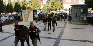 Ceylanpınar'da sahte kimlikle Suriye'ye geçmeye çalışan 3 kişi yakalandı