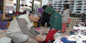 Yetim-Der'den 450 yetime ayakkabı yardımı