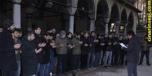 Kocaeli'de gençler Halep ve Arakan için dua etti
