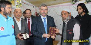 Mardin Midyat'ta Suriyeli mültecilere 5 bin Kur'an-ı Kerim hediye edildi