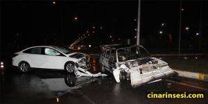 Diyarbakır'da kaza yapan otomobil alev aldı: 2 yaralı