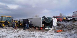 Kahramanmaraş-Kayseri karayolunda 2 yolcu otobüsü devrildi: 48 yaralı