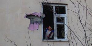 Çınar'da Emniyete atılan roket öğrenci pansiyonuna isabet etti
