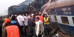 Hindistan'da tren kazası: 32 ölü