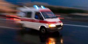 Yolcu otobüsü iş makinasına çarptı: 15 yaralı
