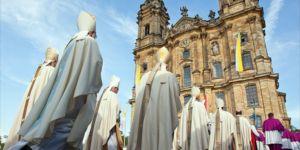 Katolik Kilisesi'ndeki taciz mağdurlarına 213 milyon dolar tazminat