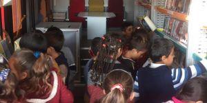 Bakan'dan kütüphane isteyen öğrencinin talebi karşılandı