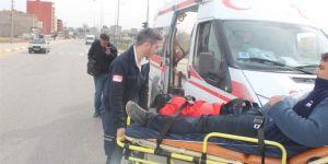 Motosiklet ile otomobil çarpıştı: Bir yaralı