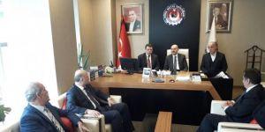 Bakan Müezzinoğlu'ndan Türk Metal Sendikasına taziye ziyareti