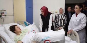 Bakanlar Kaya ve Müezzioğlu trafik kazasında yaralananları ziyaret etti
