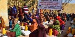 Avrupa Yetim-Der açlığın hüküm sürdüğü Somali'de gıda paketleri dağıttı