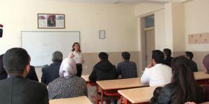 Diyarbakır'da işaret dili kursu açıldı